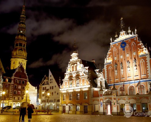 Latvia_Riga_night view_shutterstock_1209276701