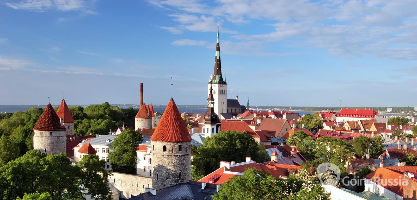 Estonia_Tallinn_Old Tallinn panorama_shutterstock_63500713